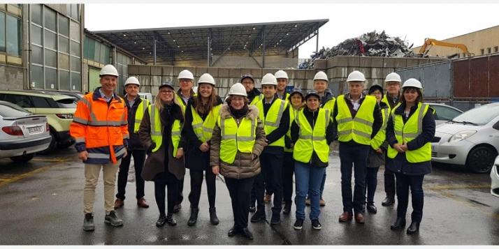 La délégation wallonne lors de la visite de SORTERA-SOGETRI, réseau qui assure un traitement et une valorisation respectueuses des déchets à Genève