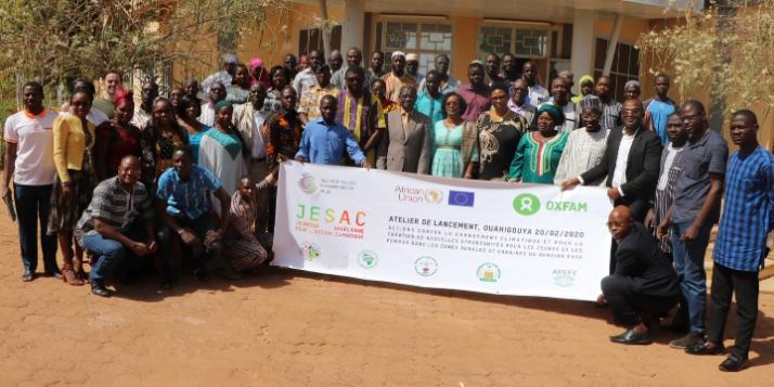 Famille des participants à l'atelier de lancement du projet au Burkina Faso (c) APEFE