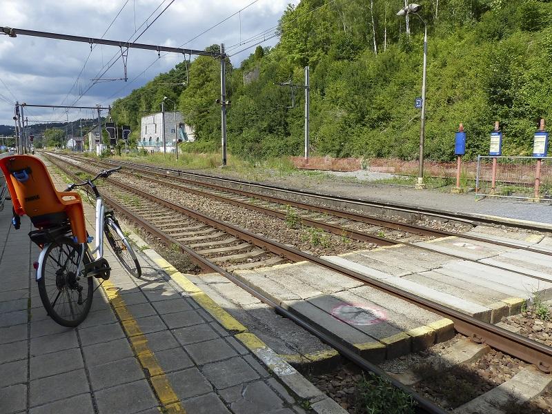 Charleroi en train et vélo (c) WBT - Hike Up - Railtrip.travel