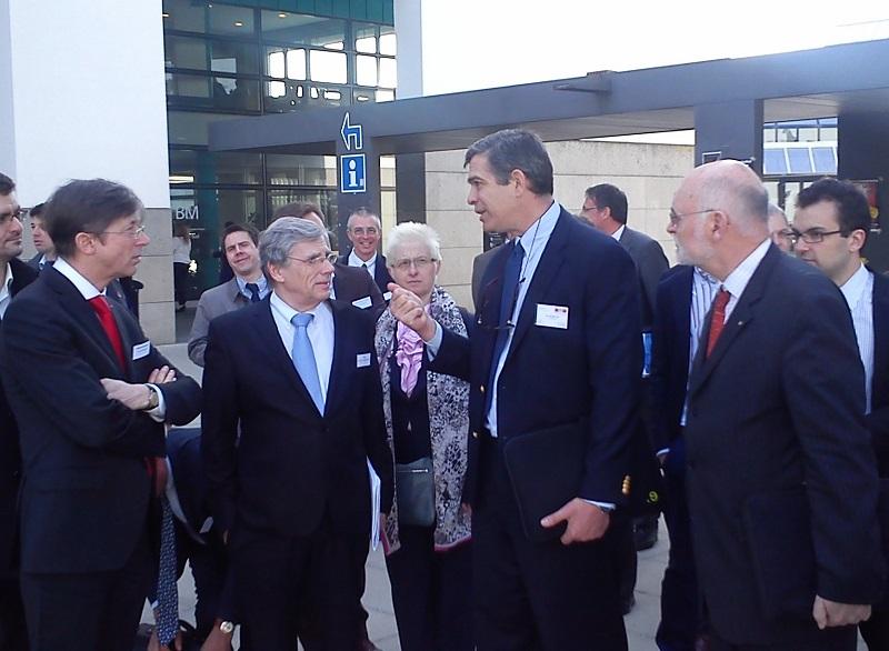 Jan Luykx, Ambassadeur de Belgique à Berne ; Philippe Suinen, Administrateur-général de l'AWEX/WBI ; Danielle Haven, Consul général ; Sacha Sidjanski, Docteur à l'EPFL ; Philippe Janssens de Varebeke, Expert du vivant.