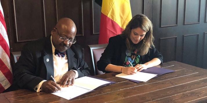 Grégory D. Winfree, Directeur du Texas Transportation Institute (Texas A&M University) et Nathalie Crutzen, Directrice du Smart City Institute (Université de Liège)