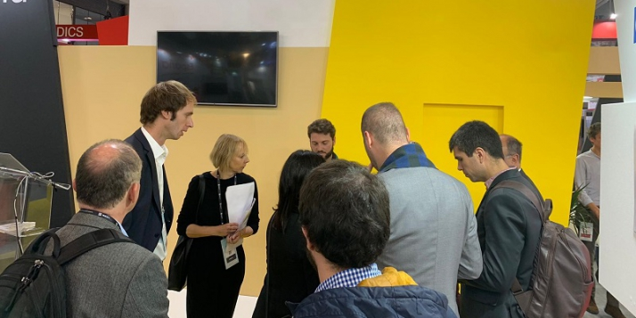 Julie Dumont, ALS au Brésil, en compagnie d'une délégation de partenaires lors du Smart City Expo World Congress à Barcelone