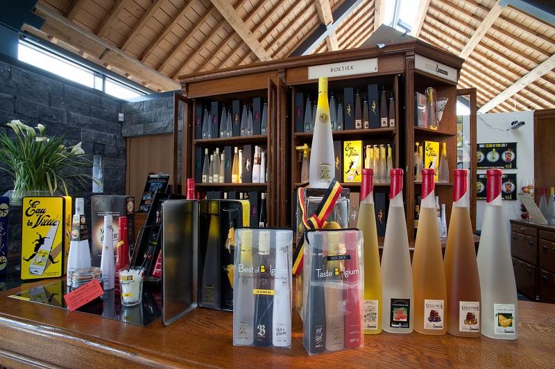 Production de la Distillerie de Biercée (c) WBT - Bernard Boccara