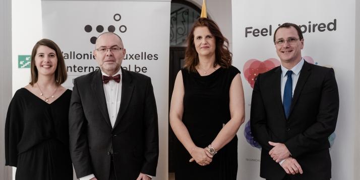 La Déléguée générale, l'Ambassadeur du Luxembourg, la Conseillère économique et son conjoint (c) J. Van Belle - WBI
