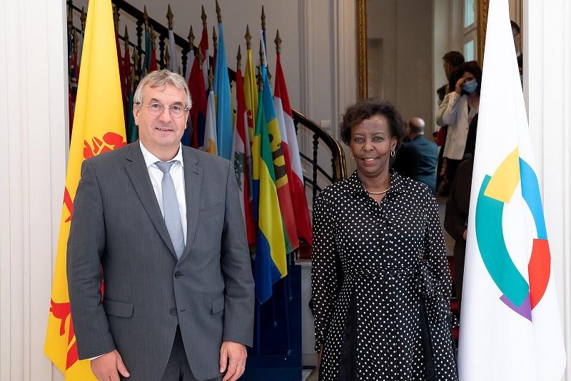 Le Ministre-Président et la Secrétaire générale de l'OIF Louise Mushikiwabo (© OIF)