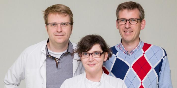 Le noyau de l'équipe de Cerhum, Grégory Nolens, Thibaut Breuls de Tiecken et Catherine Bronne