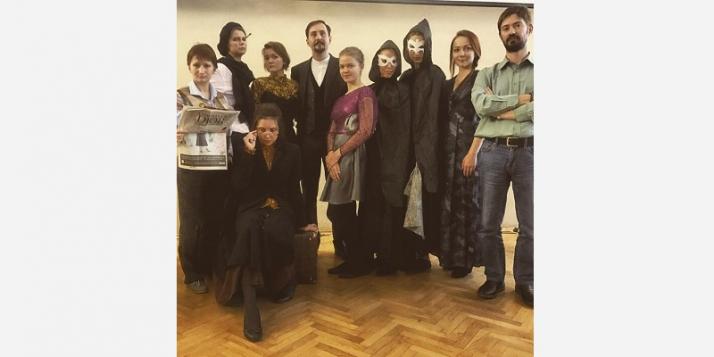 La troupe de théâtre francophone de l'Université d'Etat de Saint-Pétersbourg  - cliquer pour agrandir