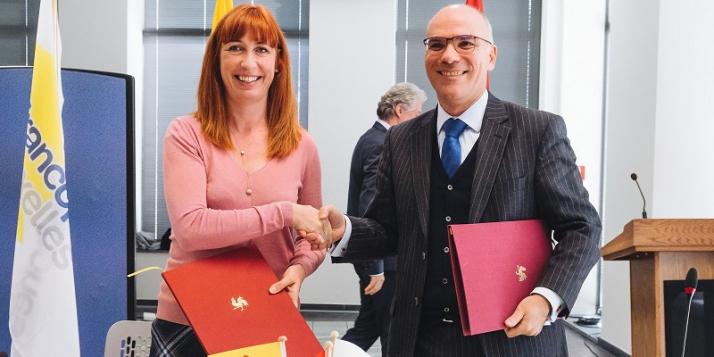 Mme Pascale Delcomminette, Administratrice générale de WBI, et Mr Nabil Ammar, Directeur général des Affaires Politiques, Economiques et de Coopération pour l'Europe et l'Union Européenne au Ministère des Affaires étrangères - cliquer pour agrandir