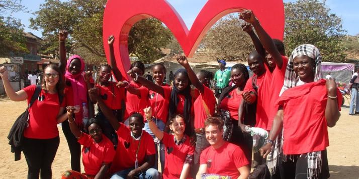 """Cinq jeunes et leur animatrice sont partis au Sénégal avec l'association """"Jeunes et Citoyens"""" grâce au programme Axes Sud - cliquer pour agrandir"""