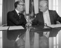 Rudy Demotte, Ministre-Président de la Communauté française de Belgique, et Philippe Couillard, Premier ministre du Québec, lors de la signature de l'Entente
