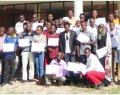 Les participants devant l'Ecole Nationale en Kinésithérapie et Réadaptation